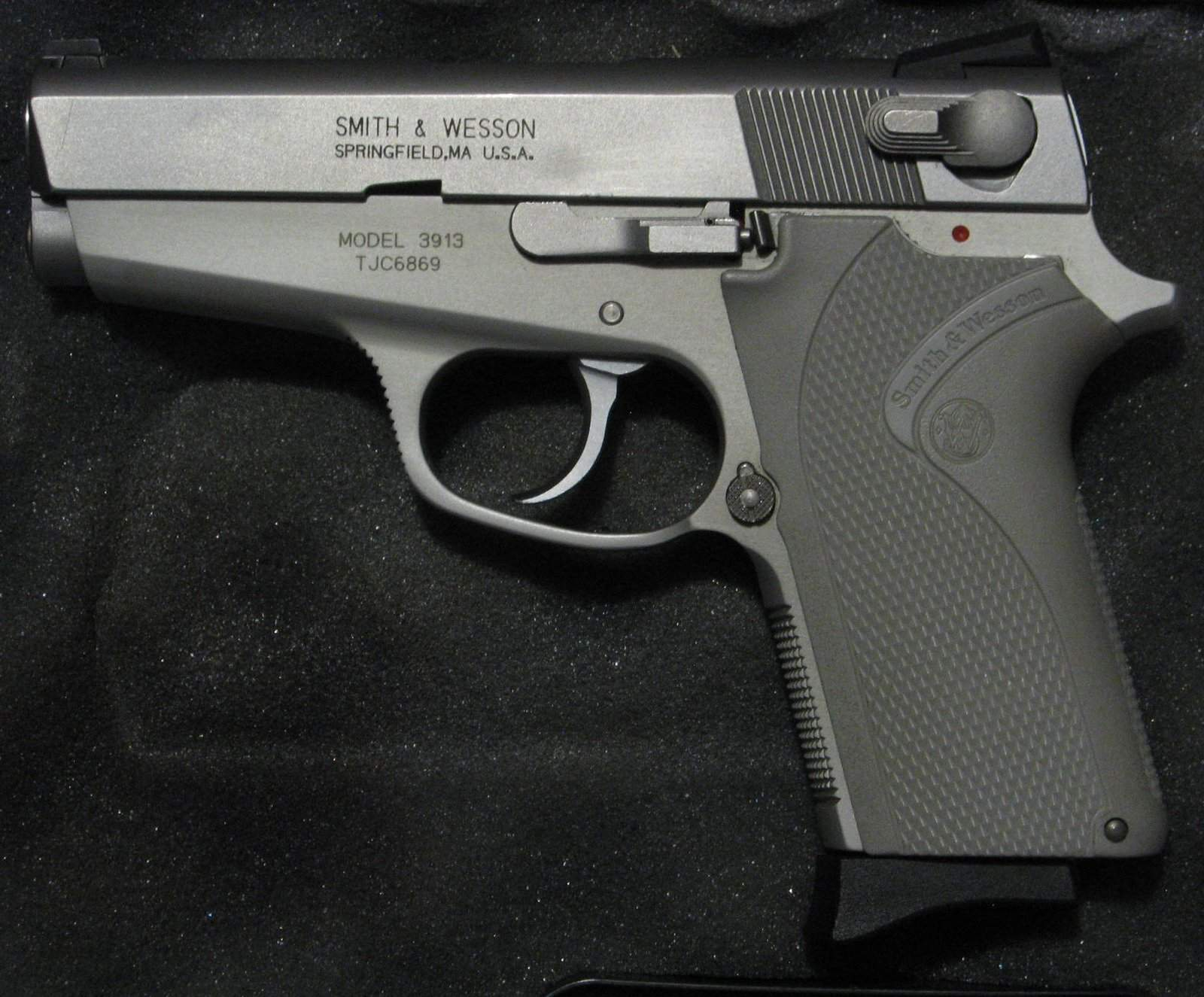 WTS OR - Smith & Wesson 3913 LS (LadySmith) Stainless 9MM