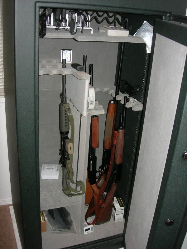 Champion Triumph T-25 Gun Safe for sale  Like new, very nice